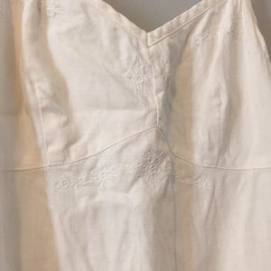 White linen Gap dress